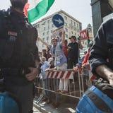 Pro-palästinensische Demonstranten wetteifern die jüdische Brigade Lizenzfreie Stockbilder