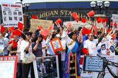 pro person som protesterar för porslin Royaltyfria Foton