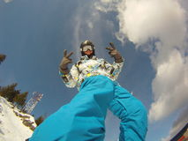 Pro ryttare i snowboardingytterlighetlekarna Arkivfoto