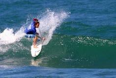 Pro Surfer Tim Curran in Concurrentie stock foto