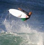 Pro surfista Mick che smazza praticare il surfing in Hawai Immagine Stock Libera da Diritti