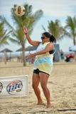 Pro volleyball de plage de 2013 femmes photos stock