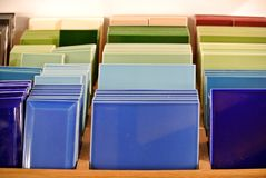 Probe von farbigen Fliesen lizenzfreie stockbilder
