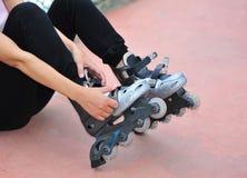 probeer gealigneerde rollerblades royalty-vrije stock foto