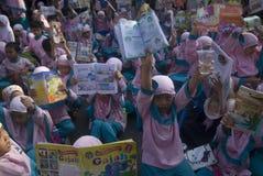 PROBLÈME DE MALNUTRITION D'ENFANTS DE L'INDONÉSIE photo libre de droits