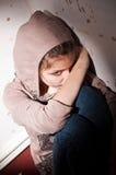 Problèmes d'adolescent. Solitude, violence, dépression image libre de droits