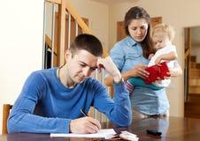 Problèmes financiers dans le famille Photo stock