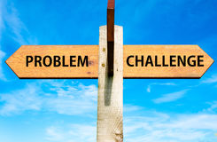 Problema contra mensagens do desafio, imagem conceptual da resolução de problemas Imagem de Stock
