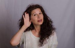 Problemas de la audiencia en mujer madura imagenes de archivo