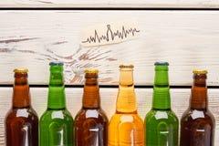 Problemas del corazón del uso del alcohol imagen de archivo libre de regalías