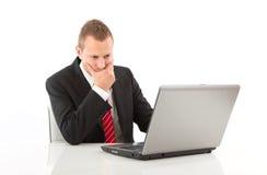 Problemas en el trabajo - hombre aislado en el fondo blanco Fotos de archivo libres de regalías