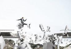 Problemen en moeilijkheden die concept overwinnen royalty-vrije stock fotografie