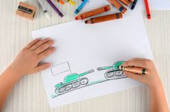 Problemy dwa kraju rysują w dziecka ` s rysunku Wojenni problemy dwa kraju Zdjęcia Royalty Free
