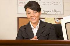 Procès auxiliaire exécutif amical d'affaires de femme Images stock
