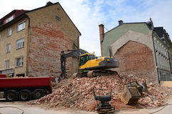Procédé de démolition de construction de ville Photos stock