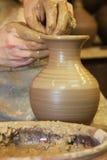 Procédé de fabrication en céramique de poterie photo stock