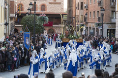 Proccesion i Teruel gator Arkivbilder