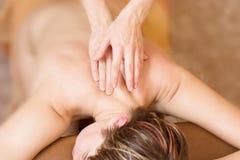 Procedimento da massagem da terapia Imagens de Stock Royalty Free