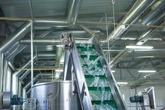 Procedimento de fabricação plástico da garrafa Imagem de Stock