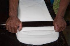 Procedimento del latice di gomma per la produzione dello strato di gomma Fotografia Stock