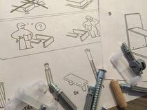 Procedimiento de montaje de los muebles Imagenes de archivo
