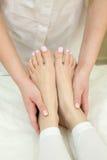 Procedura del massaggio del piede Fotografia Stock Libera da Diritti