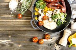 Proces kucharstwo w kuchni Obraz Stock
