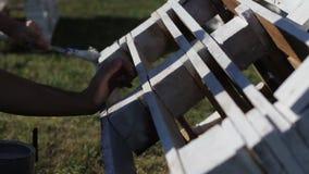 Proces obraz z szczotkarską Drewnianą ławką barłogi zdjęcie wideo