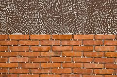 Proces robić czerwonemu ściana z cegieł, domowy odświeżanie Fotografia Stock