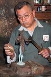 Proces van gietende beeldjesacteur Statuettes Cast voor 17de Jaarlijkse Scrren-Actoren Gildetoekenning Stock Afbeeldingen