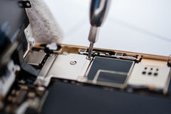 Proces van mobiele telefoonreparatie royalty-vrije stock fotografie