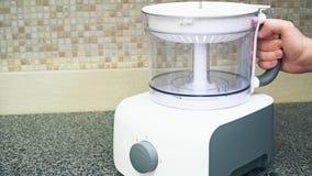 Procesador de alimentos multifuncional desmontado en encimeras de la cocina Fabricante del Smoothie Cocina y hogar eléctricos almacen de video