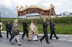 Procesión de la ascensión de Maria en Axams Austria imágenes de archivo libres de regalías