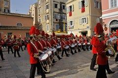 Procesión de músicos en Pascua en Corfú Imagen de archivo libre de regalías