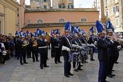 Procesión de músicos en Pascua en Corfú Foto de archivo libre de regalías