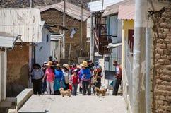 Procesión en la ciudad de San Pedro de Castas imagen de archivo libre de regalías