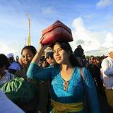 Procesión hindú del Balinese hermoso Fotos de archivo libres de regalías