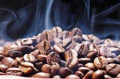 Proceso asado café Foto de archivo