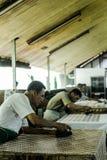 Proceso de fabricación del batik imagen de archivo