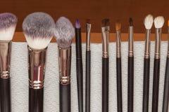 Proceso de los cepillos de sequía del maquillaje de la limpieza Imagen de archivo libre de regalías