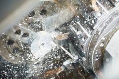Proceso que trabaja a máquina en blanco del metal Imágenes de archivo libres de regalías