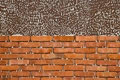 Process av att göra en vägg för röd tegelsten, hem- renovering Arkivbild