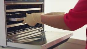 Process av steriliseringen av medicinsk tand- utrustning arkivfilmer