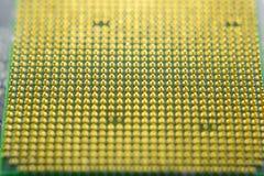 Processador do computador, pés do contato Placa eletrônica com componentes bondes Eletrônica do material informático fotografia de stock royalty free
