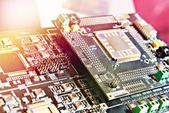 Processador na placa eletrônica foto de stock
