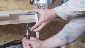 Processamento da madeira na oficina vídeos de arquivo