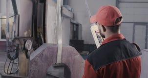 Processamento de mármore da laje do granito vídeos de arquivo