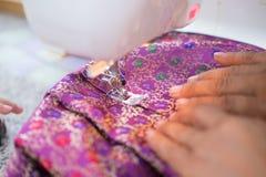 Processen om zijde te naaien Royalty-vrije Stock Afbeelding