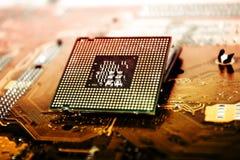 Processeur d'unité centrale de traitement au-dessus de carte mère d'ordinateur image stock