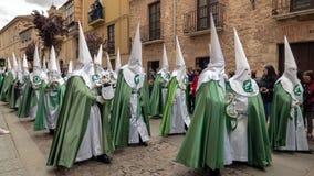 Procession av den Virgen de laen Esperanza Brotherhood på heliga torsdag till och med gatorna av den historiska mitten av Zamora arkivbild